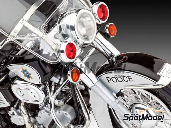 Image 12: US Police Harley Davidson | Model bike kit in 1/8 scale manufactured by Revell (ref. REV07915, also 07915 and 80-7915)