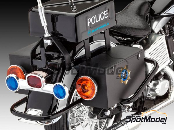 Image 13: US Police Harley Davidson | Model bike kit in 1/8 scale manufactured by Revell (ref. REV07915, also 07915 and 80-7915)