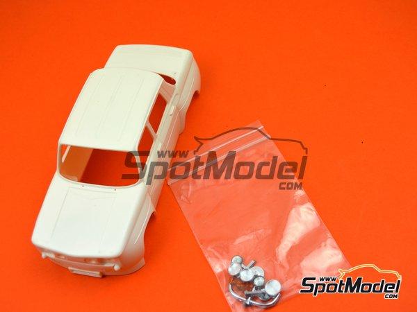 Image 9: Renault R8 Gordini   Carrocería en escala1/24 fabricado por Scale Production (ref.SPBRM)
