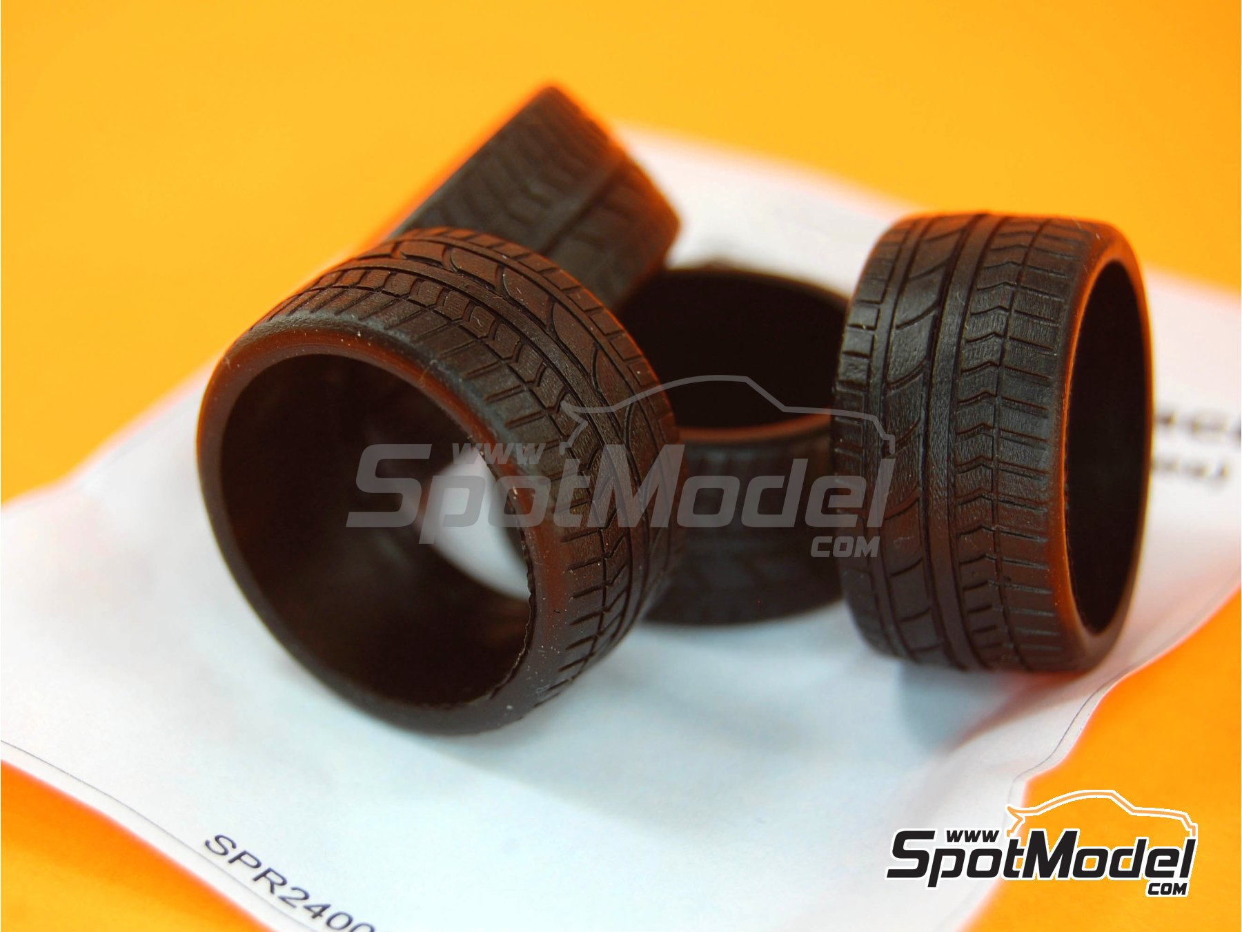 Image 3: 19 inches Ultra low profile | Tyre set in 1/24 scale manufactured by Scale Production (ref. SPR24008)