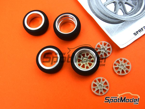 Image 3: 17 inches fifteen52 outlaw rim with Toyo stretch wall tyres | Rims and tyres set in 1/24 scale manufactured by Scale Production (ref. SPRF24103-TOYO)