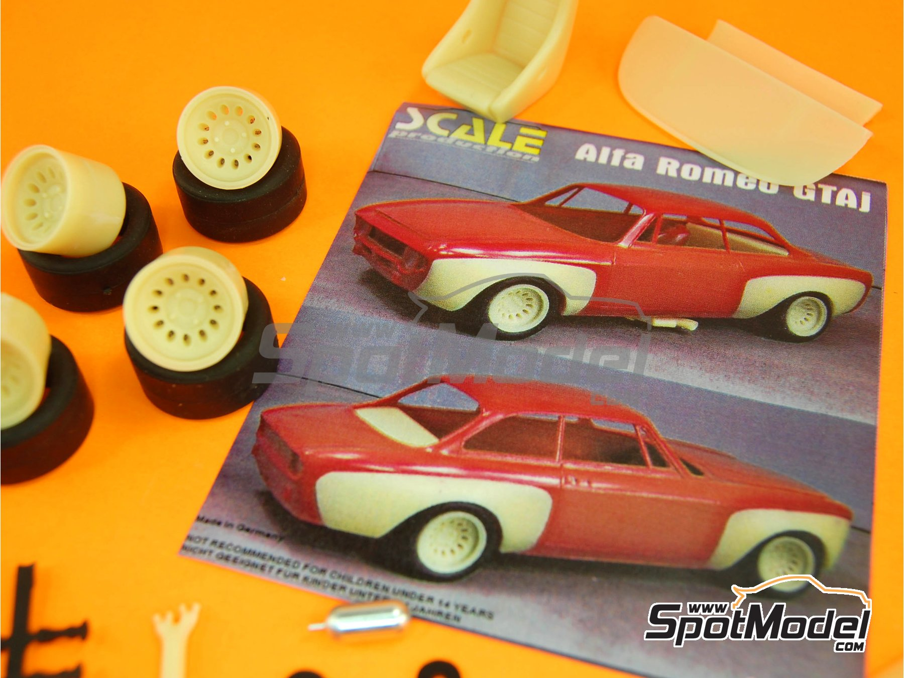 Image 3: Alfa Romeo GTAj | Transkit en escala1/24 fabricado por Scale Production (ref.SPTK24046)