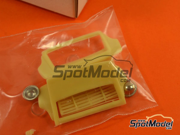Image 6: Porsche 911 SCRS 3.0 Group B -  1984 | Transkit in 1/24 scale manufactured by Scale Production (ref.SPTK24052)