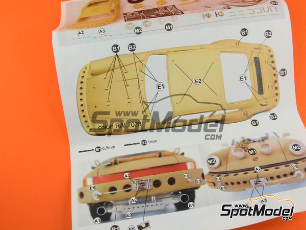 Image 4: Porsche 911 SC Safari Brandenburg Racing | Transkit en escala 1/24 fabricado por Scale Production (ref. SPTK24055)