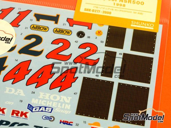 Image 3: Honda NSR500 Repsol - Campeonato del Mundo de Motociclismo 1998 | Decoración en escala1/12 fabricado por Shunko Models (ref.SHK-D277)