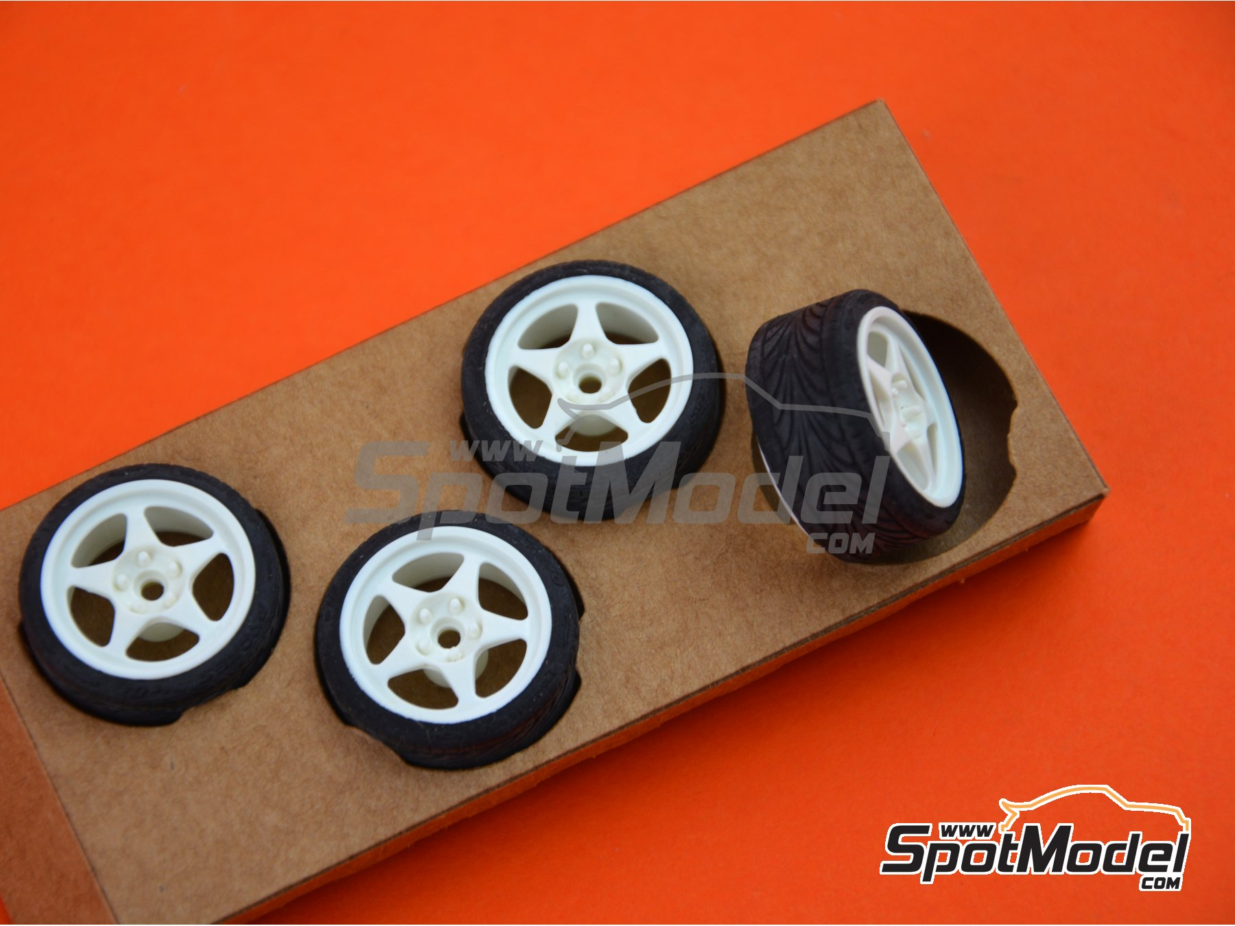 Image 4: SB-EVO | Rims and tyres set in 1/24 scale manufactured by StreetBlisters (ref. 10001)