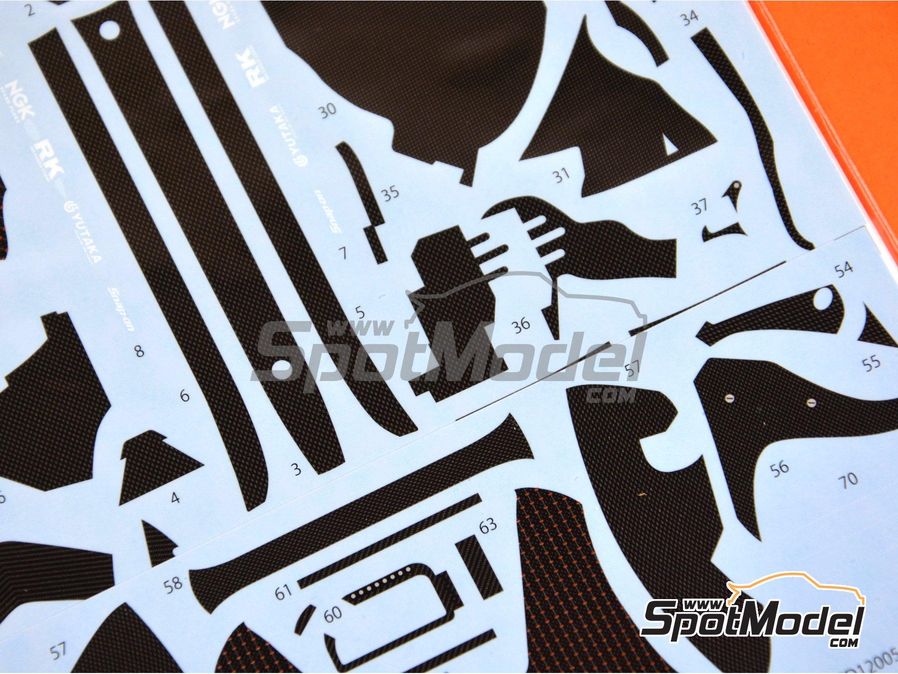 Image 5: Honda RC213V - Campeonato del Mundo de Motociclismo 2014 | Patron de fibra de carbono en calca en escala1/12 fabricado por Studio27 (ref.ST27-CD12005)