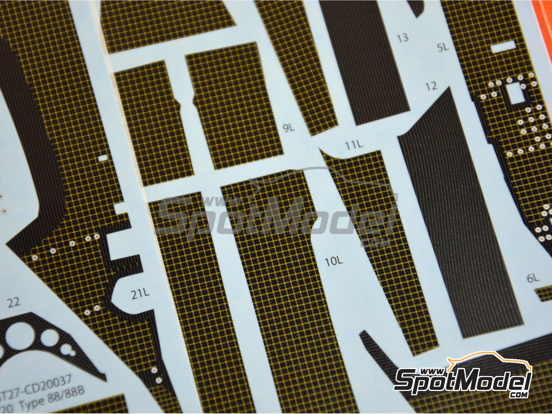Image 4: Lotus Ford Type 88 | Carbon fibre pattern decal in 1/20 scale manufactured by Studio27 (ref.ST27-CD20037)