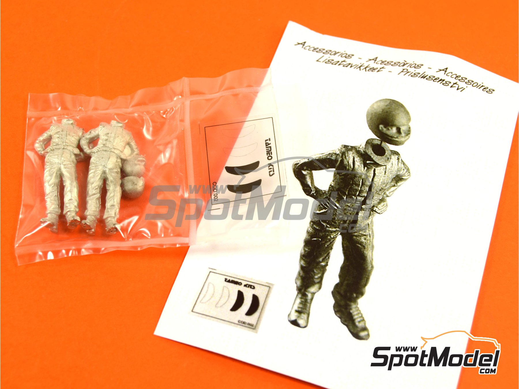 Image 1: Standing F1 driver | Figure in 1/43 scale manufactured by Tameo Kits (ref.PG32)