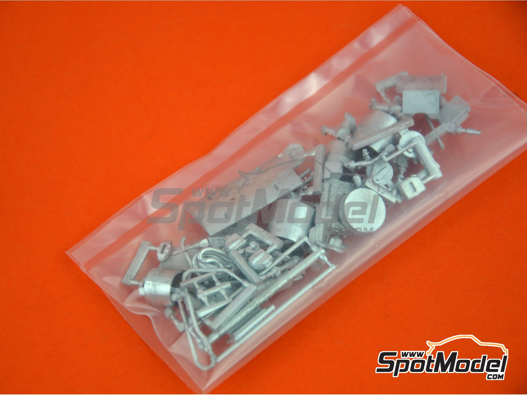 Image 5: March Ford 701 - Spanish Grand Prix 1970 | Model car kit in 1/43 scale manufactured by Tameo Kits (ref. SLK107)