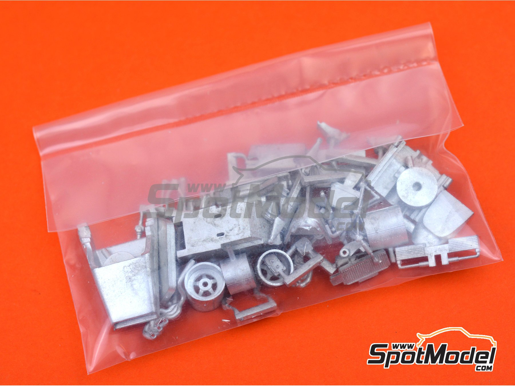 Image 8: Ferrari 312B2 - Dutch Formula 1 Grand Prix 1971 | Model car kit in 1/43 scale manufactured by Tameo Kits (ref. SLK116)