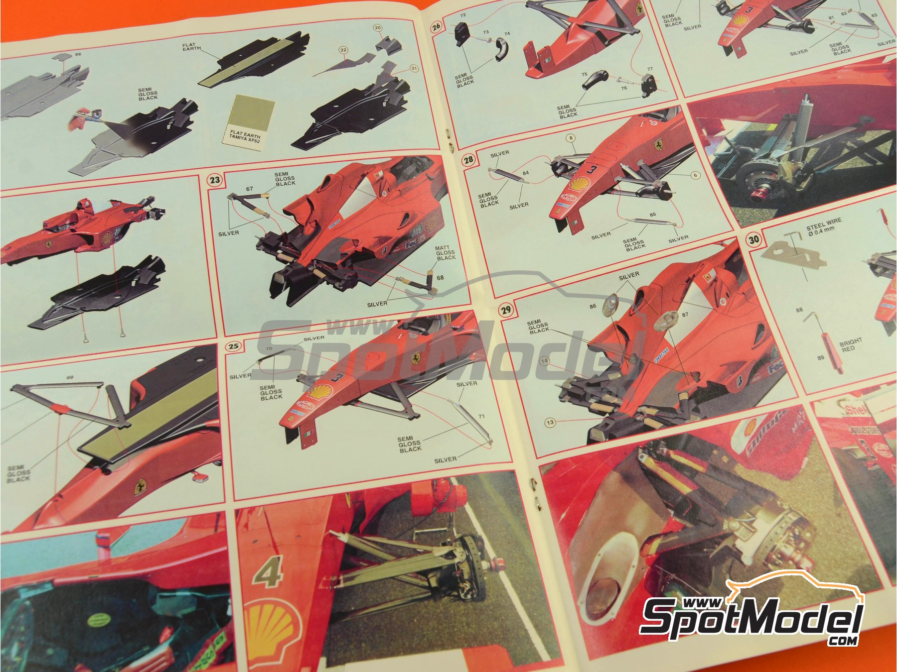 Image 15: Ferrari F1 2000 Marlboro - Gran Premio de Fórmula 1 de Malasia 2000 | Maqueta de coche en escala1/24 fabricado por Tameo Kits (ref.TLK002)