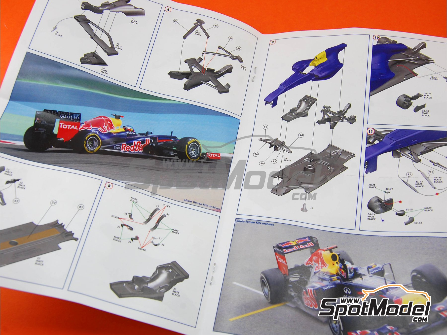 Image 4: RB Racing Renault RB8 - Gran Premio de Fórmula 1 de Bahrein 2012 | Maqueta de coche en escala1/43 fabricado por Tameo Kits (ref.TMK407)