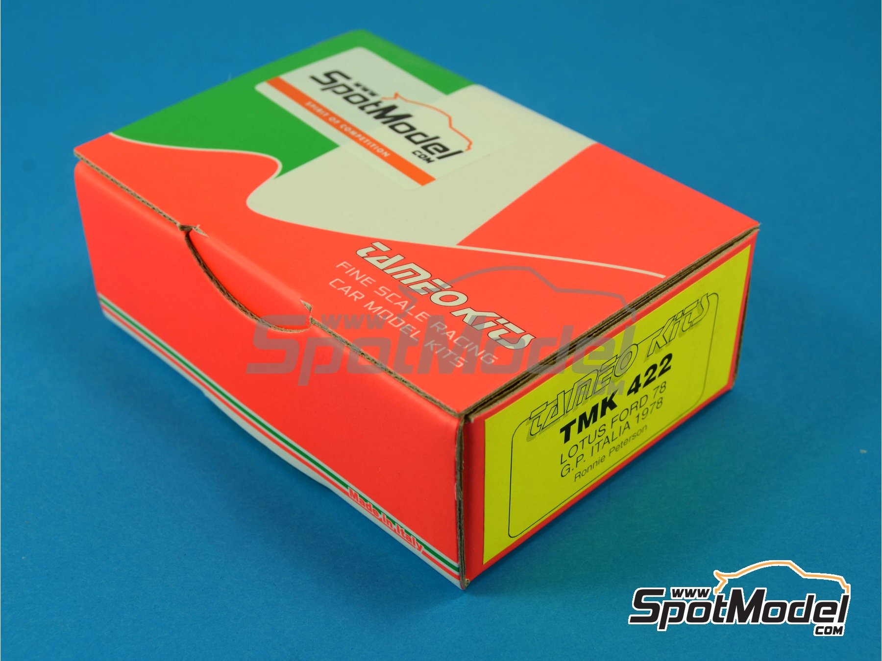 Image 1: Lotus Ford Type 78 John Player Special - Italian Formula 1 Grand Prix 1978 | Model car kit in 1/43 scale manufactured by Tameo Kits (ref.TMK422)