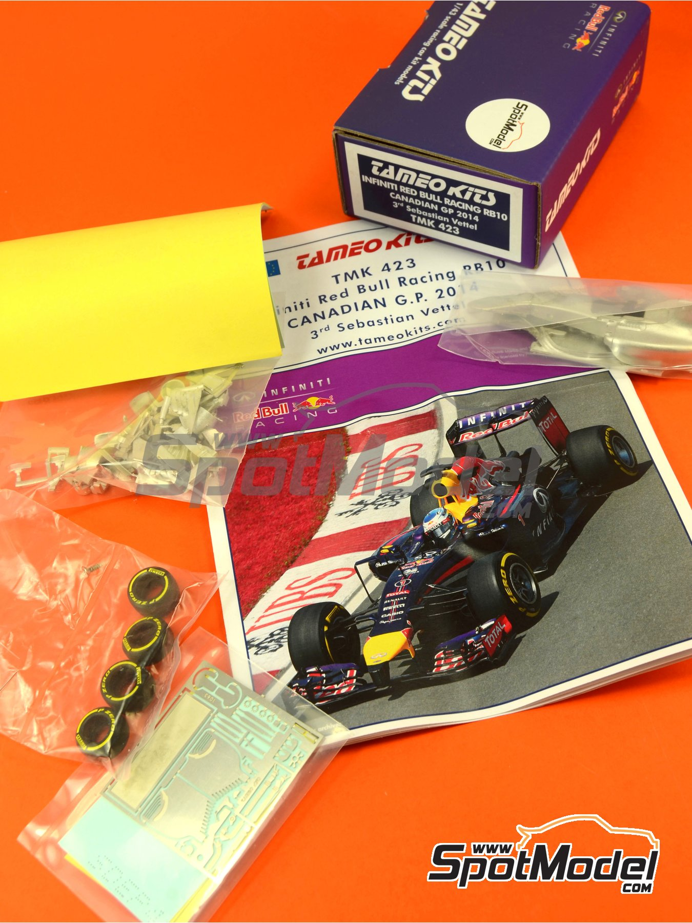 RB10 Infiniti - Canadian Formula 1 Grand Prix 2014 | Model car kit in 1/43 scale manufactured by Tameo Kits (ref. TMK423) image