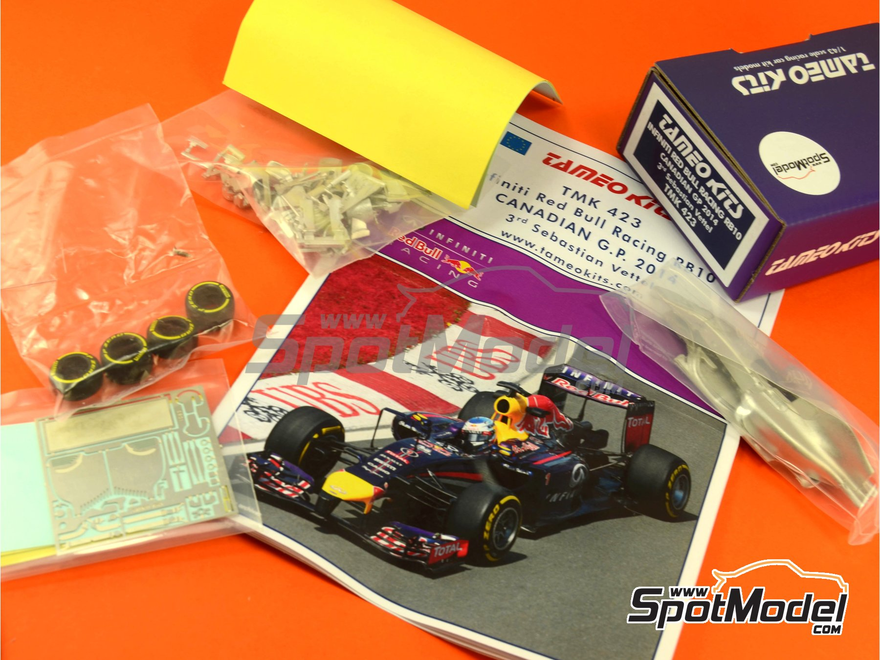 Image 1: RB10 Infiniti - Canadian Formula 1 Grand Prix 2014 | Model car kit in 1/43 scale manufactured by Tameo Kits (ref. TMK423)