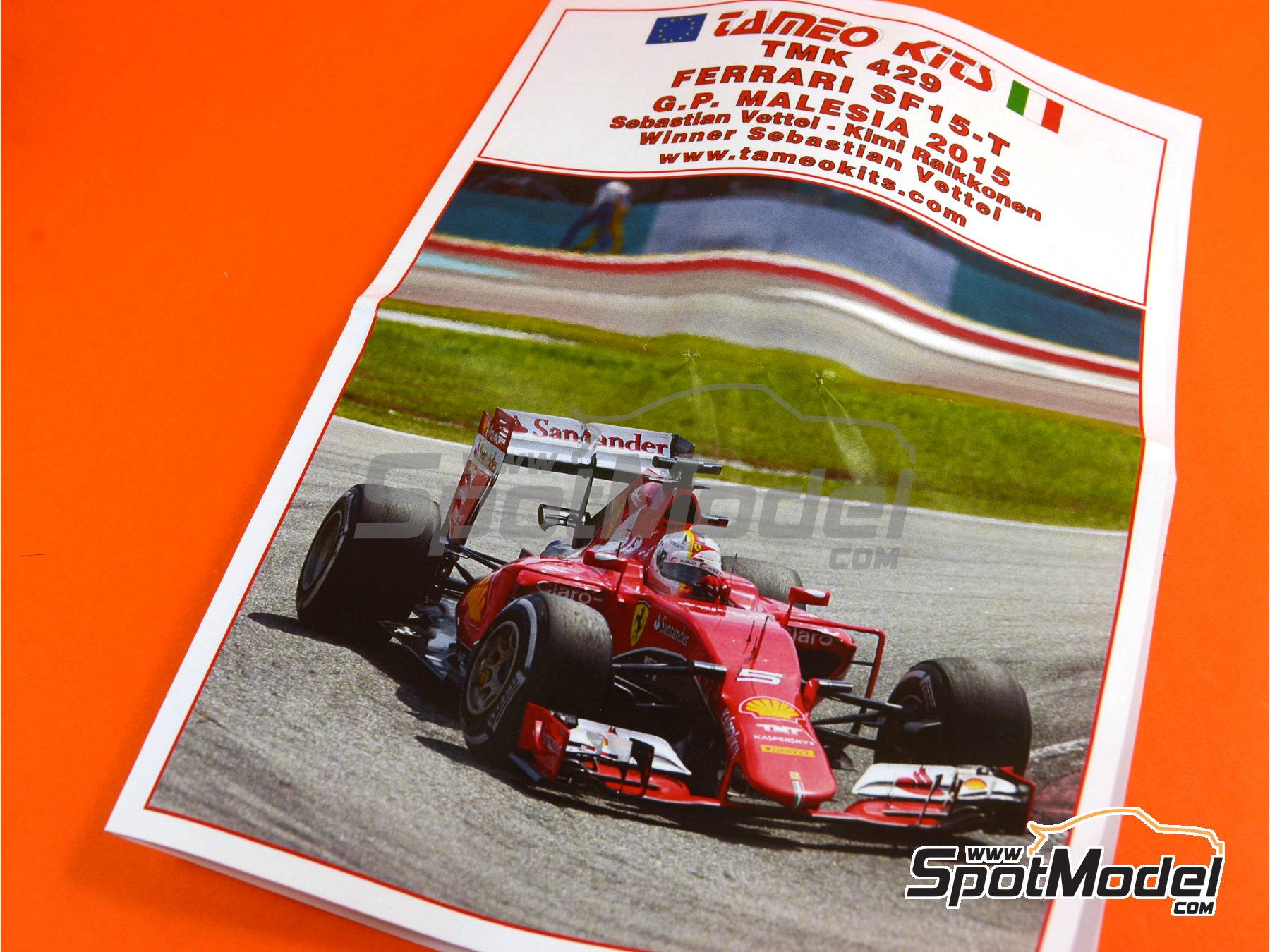 Image 8: Ferrari SF15-T Shell UPS - Gran Premio de Fórmula 1 de Malasia 2015   Maqueta de coche en escala1/43 fabricado por Tameo Kits (ref.TMK429)