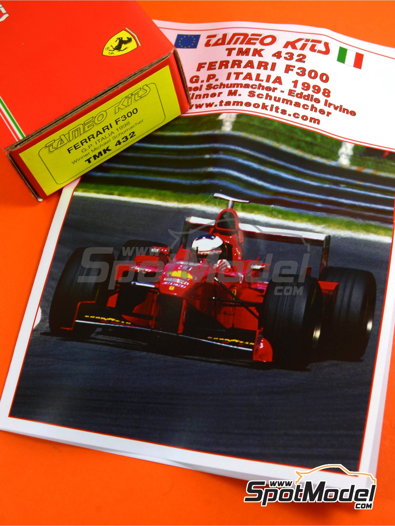 Ferrari F300 Marlboro - Italian Formula 1 Grand Prix 1998 | Model car kit in 1/43 scale manufactured by Tameo Kits (ref. TMK432) image