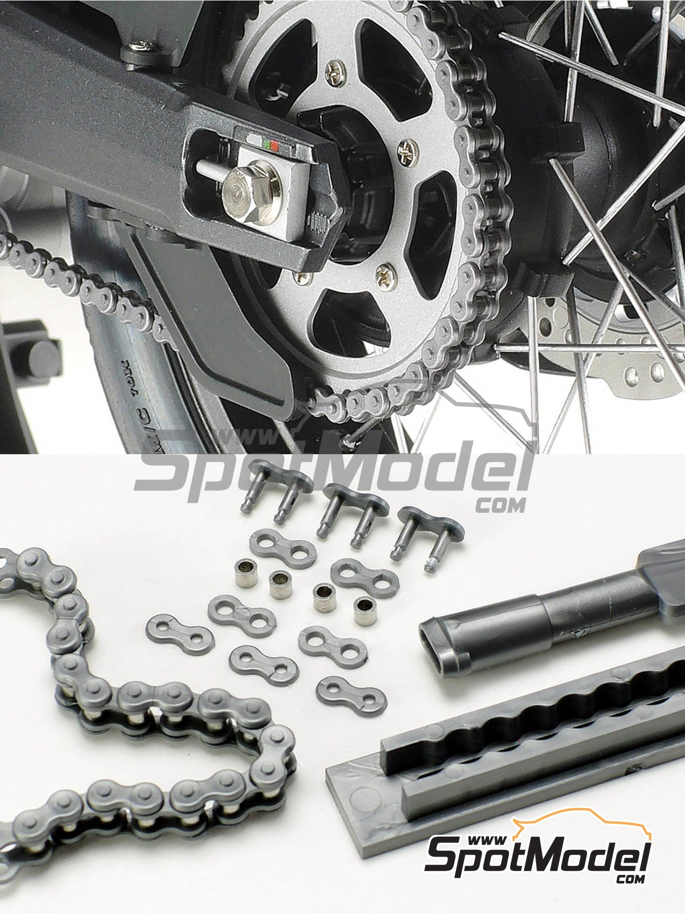 Scale motorcycle chain assembly | Chain set in 1/6 scale manufactured by Tamiya (ref. TAM12674) image