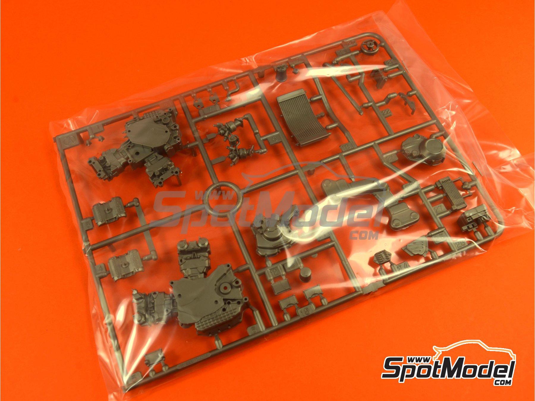 Image 3: Ducati 916 | Maqueta de moto en escala1/12 fabricado por Tamiya (ref.TAM14068, tambien 14068)
