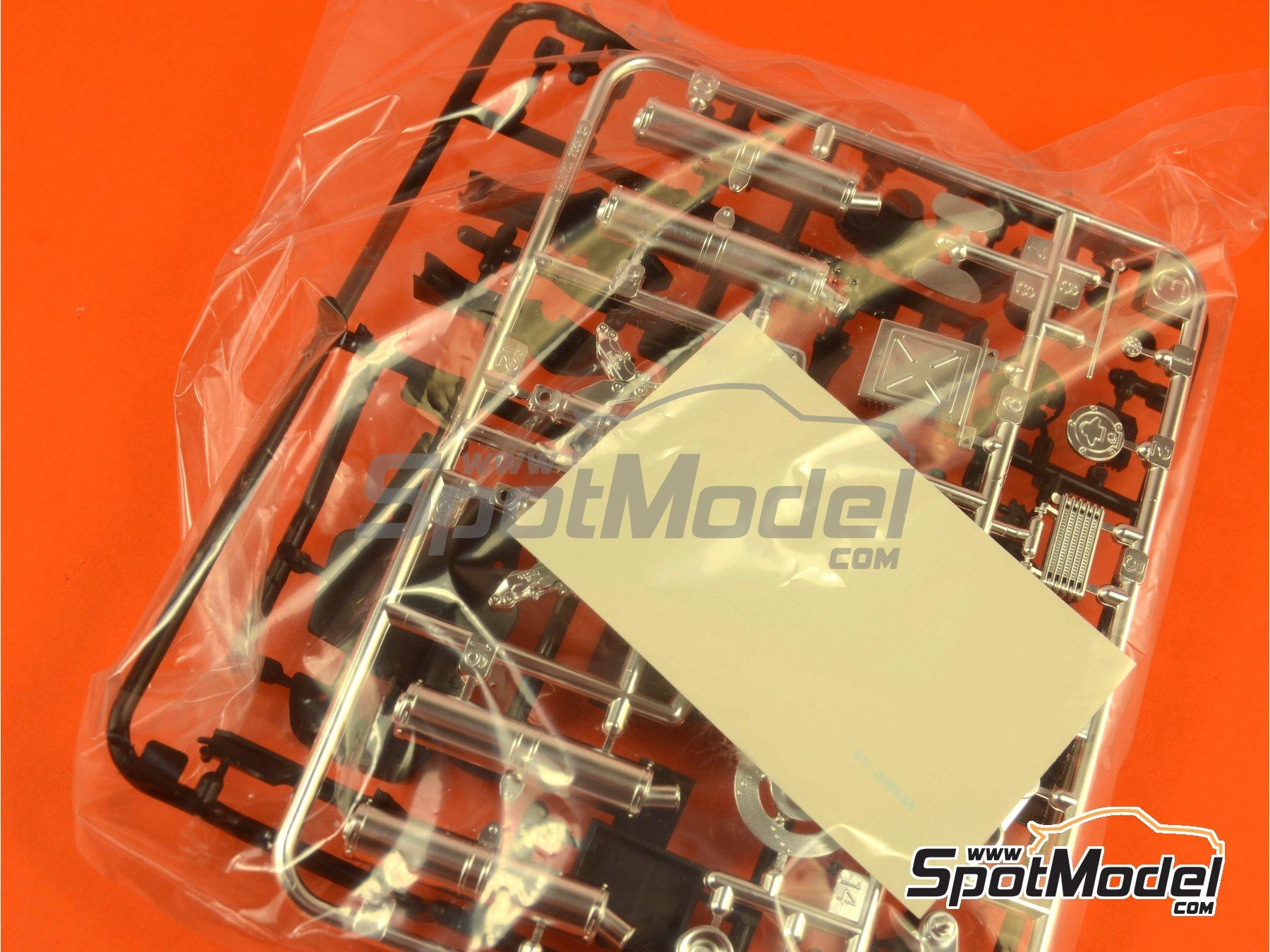 Image 6: Ducati 916 | Maqueta de moto en escala1/12 fabricado por Tamiya (ref.TAM14068, tambien 14068)