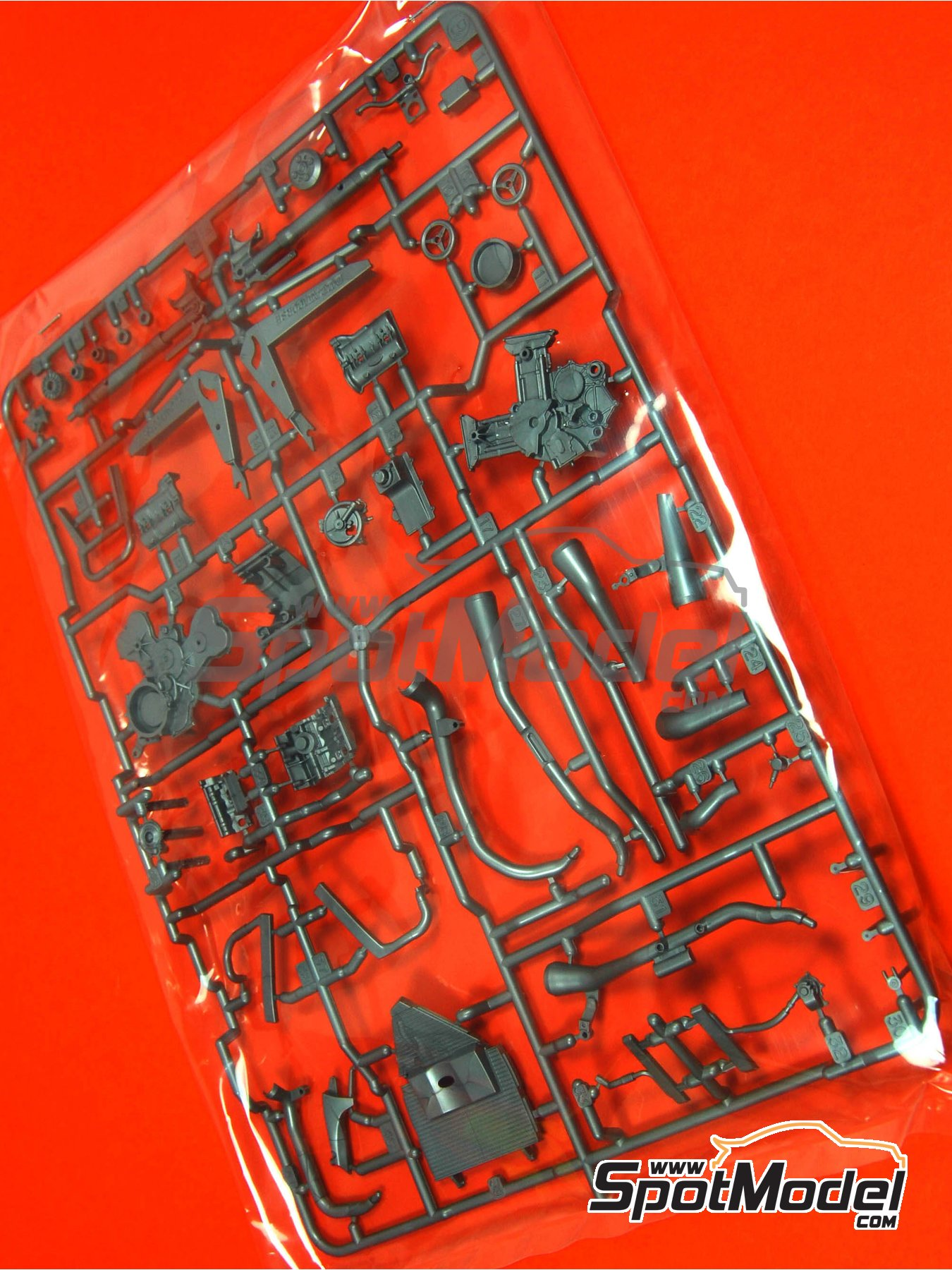 Ducati Desmosedici GP3: Sprue B | Spare part in 1/12 scale manufactured by Tamiya (ref. TAM14101-SPRUE-B) image