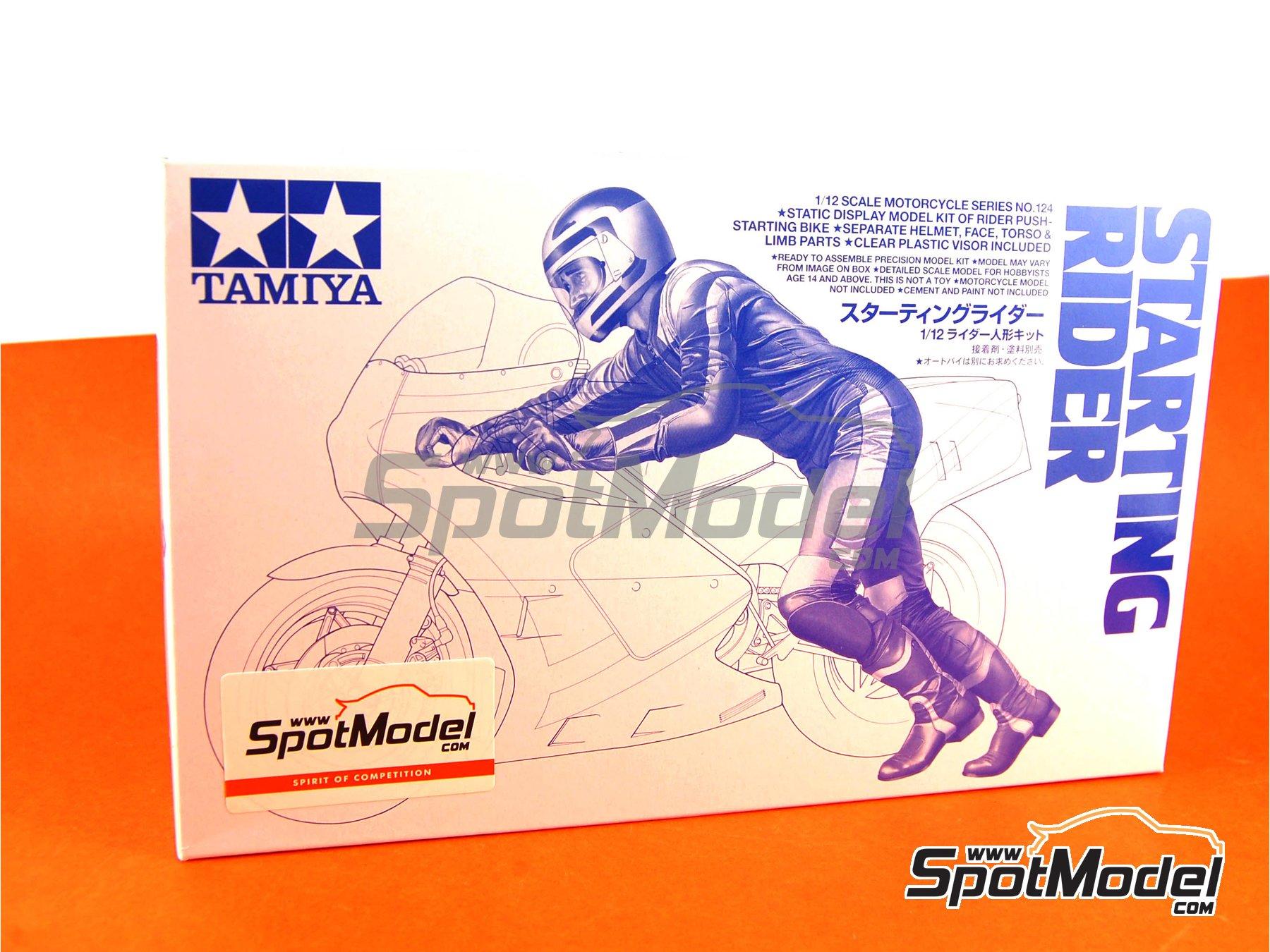 Image 1: Piloto de motos arrancando moto | Figura en escala1/12 fabricado por Tamiya (ref.TAM14124)