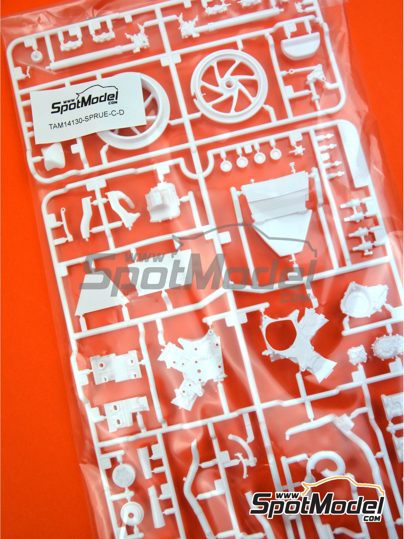 Honda RC213V: C and D parts | Spare part in 1/12 scale manufactured by Tamiya (ref.TAM14130-SPRUE-C-D) image