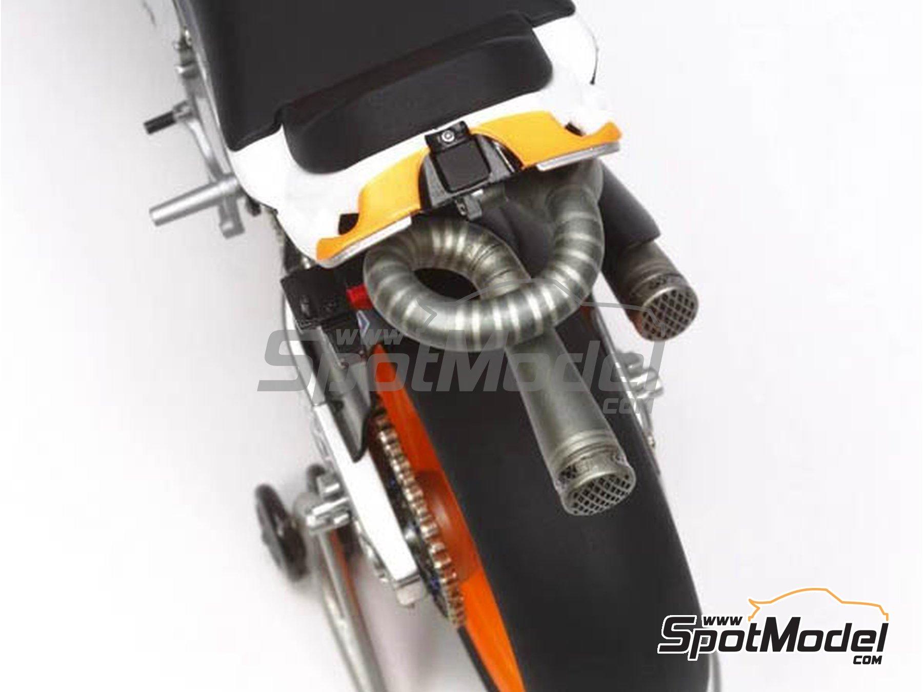 Image 4: Honda RC213V Repsol - Spanish Moto GP Grand Prix 2014 | Model bike kit in 1/12 scale manufactured by Tamiya (ref.TAM14130, also 14130)