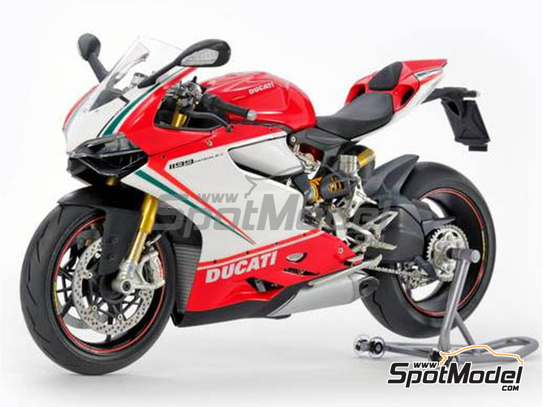 Image 2: Ducati 1199 Panigale S Tricolore | Model bike kit in 1/12 scale manufactured by Tamiya (ref. TAM14132)