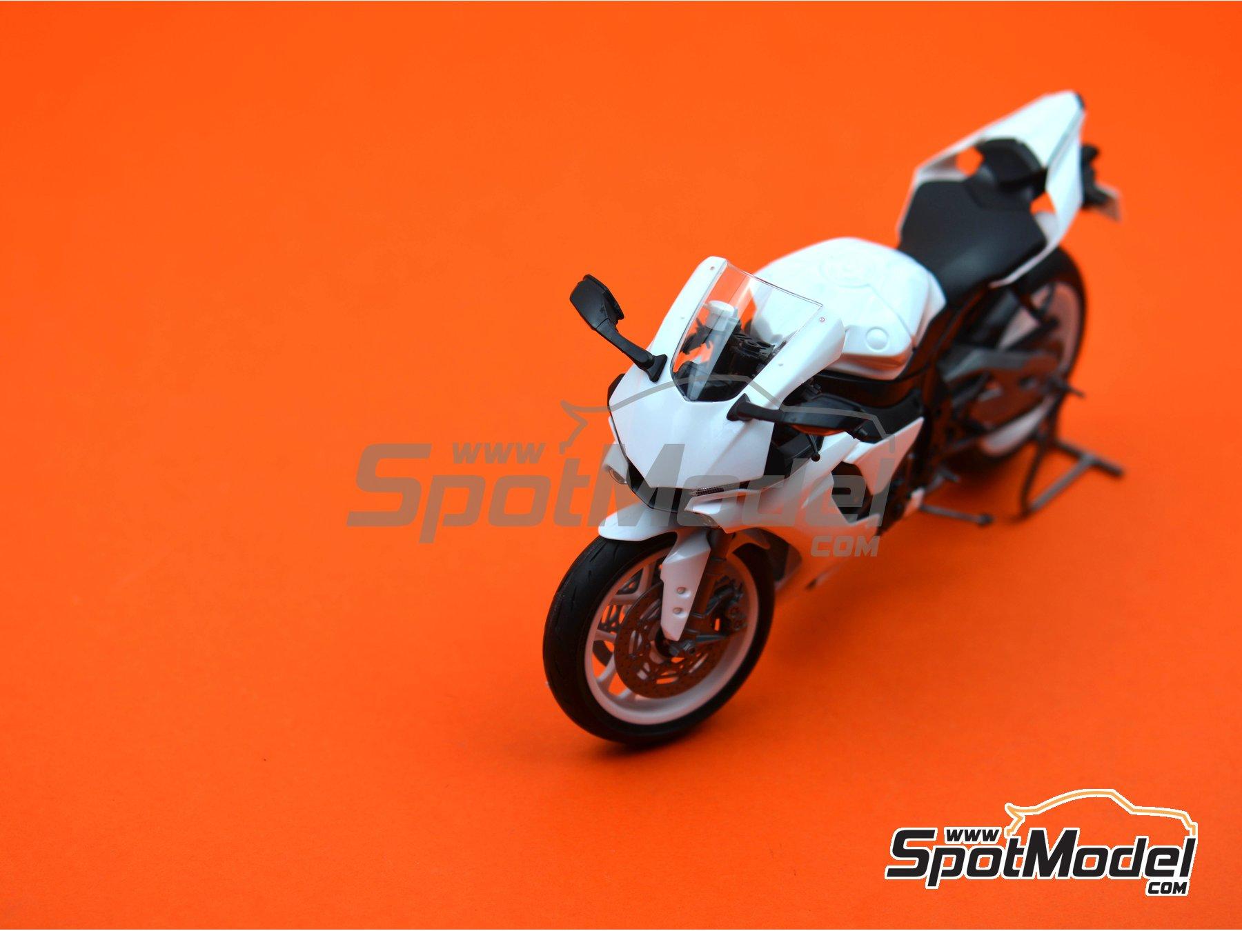 Image 16: Yamaha YZF-R1M   Maqueta de moto en escala1/12 fabricado por Tamiya (ref.TAM14133, tambien 14133, HC-14133, 4950344141333 y TMY14133)