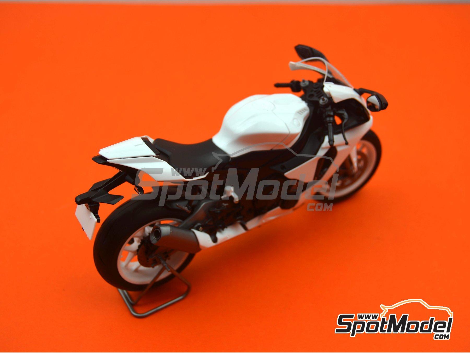 Image 19: Yamaha YZF-R1M   Maqueta de moto en escala1/12 fabricado por Tamiya (ref.TAM14133, tambien 14133, HC-14133, 4950344141333 y TMY14133)