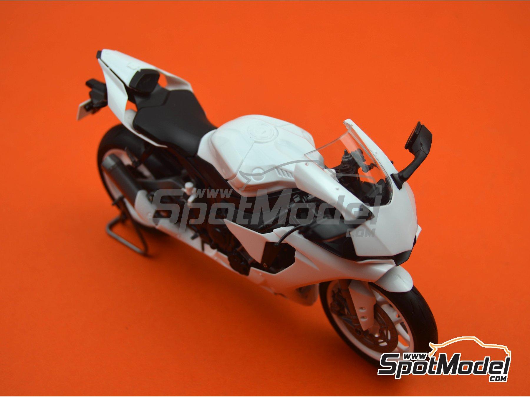 Image 20: Yamaha YZF-R1M   Maqueta de moto en escala1/12 fabricado por Tamiya (ref.TAM14133, tambien 14133, HC-14133, 4950344141333 y TMY14133)