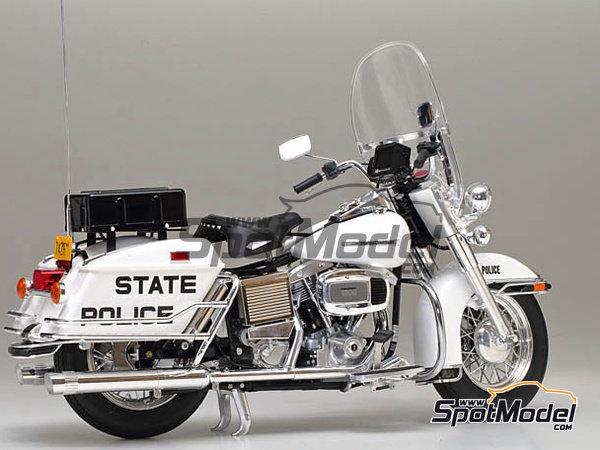 Image 2: Harley-Davidson FLH 1200 Policia | Maqueta de moto en escala1/6 fabricado por Tamiya (ref.TAM16038)