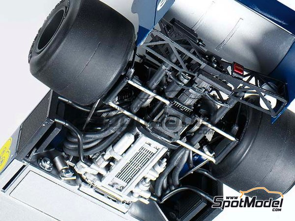 Image 6: Tyrrell Ford P34 Six Wheels ELF - Japanese Formula 1 Grand Prix 1976 | Model car kit in 1/20 scale manufactured by Tamiya (ref. TAM20058, also 20058)