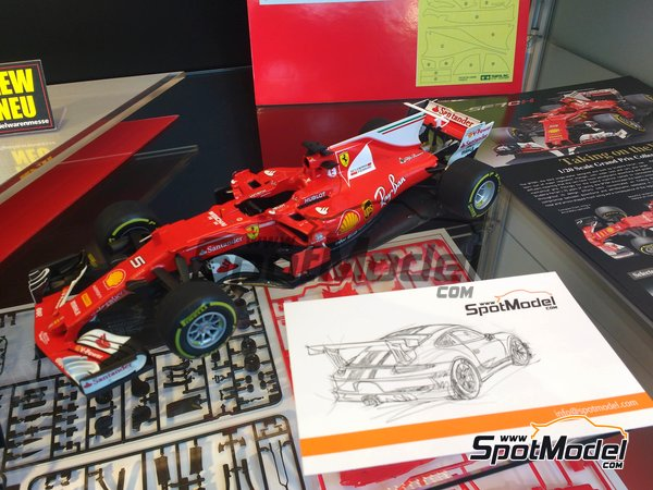 Image 2: Ferrari SF70H Banco Santander - Australian Grand Prix 2017 | Model car kit in 1/20 scale manufactured by Tamiya (ref. TAM20068)