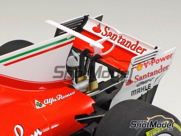Image 17: Ferrari SF70H Banco Santander - Australian Grand Prix 2017 | Model car kit in 1/20 scale manufactured by Tamiya (ref. TAM20068)