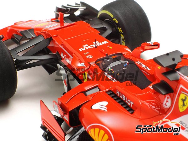 Image 19: Ferrari SF70H Banco Santander - Australian Grand Prix 2017 | Model car kit in 1/20 scale manufactured by Tamiya (ref. TAM20068)