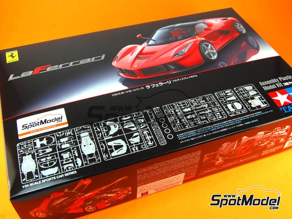 Image 18: Ferrari Laferrari | Model car kit in 1/24 scale manufactured by Tamiya (ref. TAM24333, also 24333)