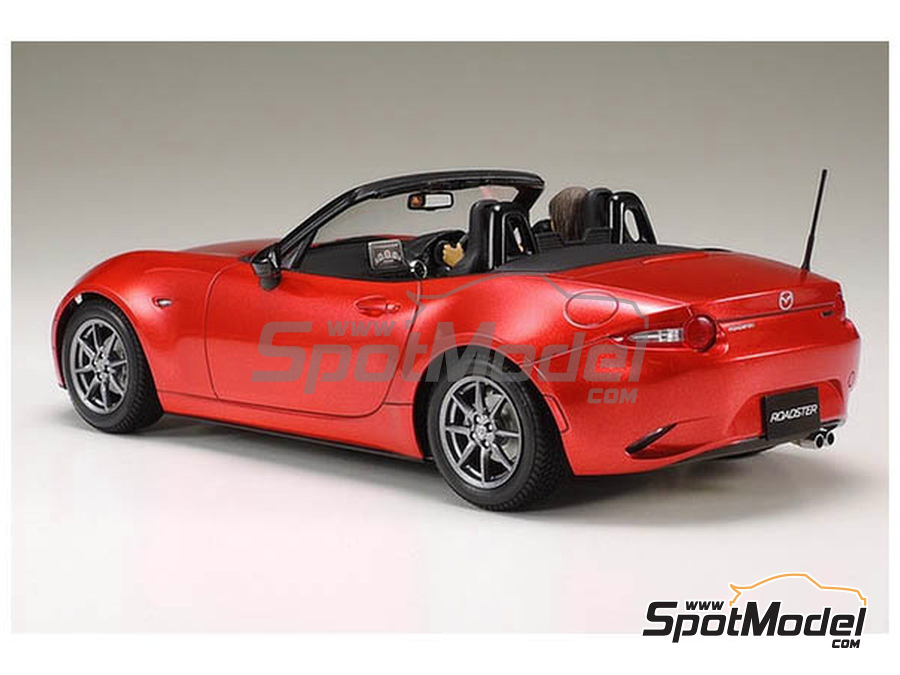 Image 2: Mazda MX-5  Roadster | Model car kit in 1/24 scale manufactured by Tamiya (ref.TAM24342, also 24342)