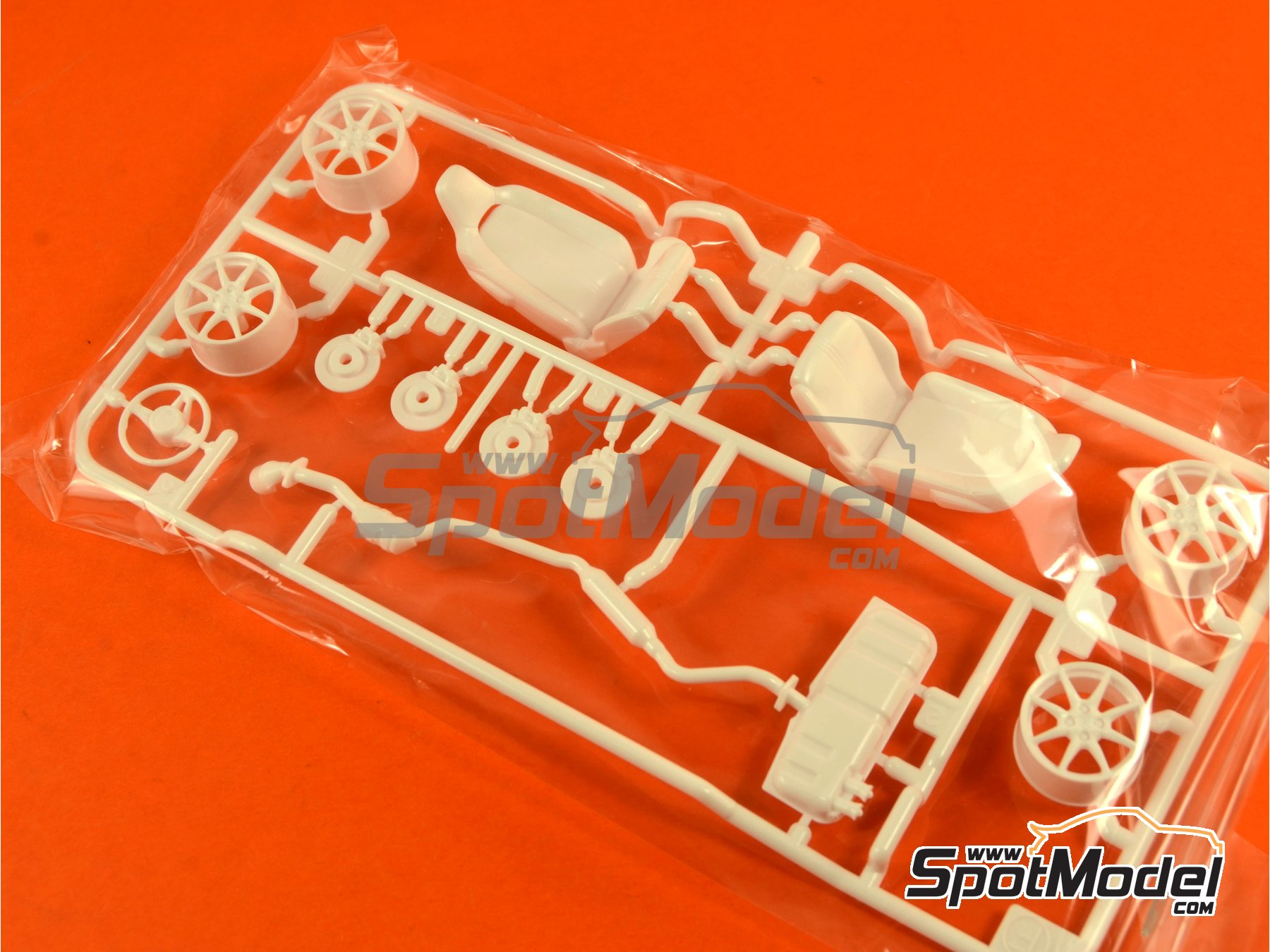 Image 8: Mazda MX-5  Roadster | Model car kit in 1/24 scale manufactured by Tamiya (ref.TAM24342, also 24342)
