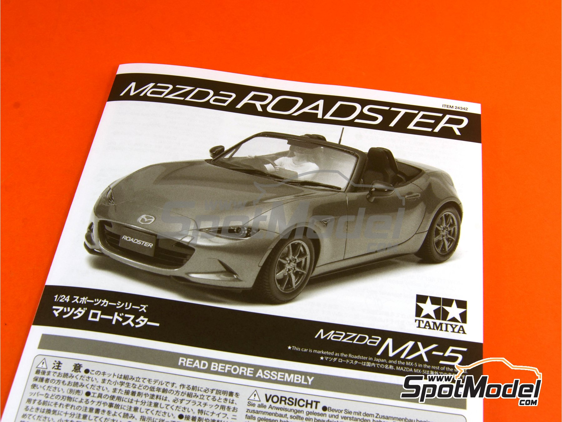 Image 20: Mazda MX-5  Roadster | Model car kit in 1/24 scale manufactured by Tamiya (ref.TAM24342, also 24342)