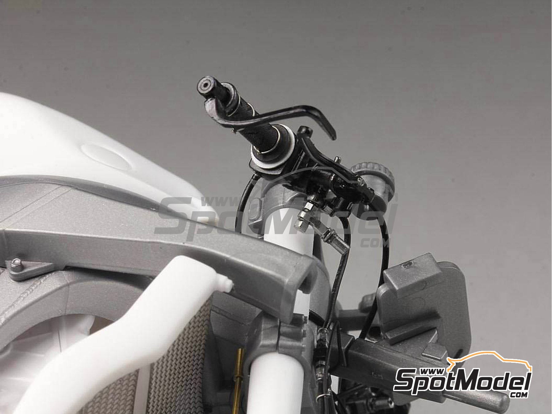 Image 12: Honda RC213V -  2014 | Detail up set in 1/12 scale manufactured by Top Studio (ref. MD29016)