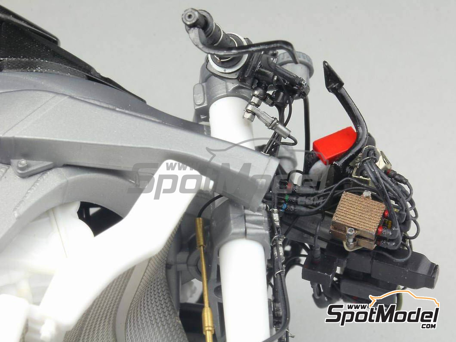 Image 28: Honda RC213V -  2014 | Detail up set in 1/12 scale manufactured by Top Studio (ref. MD29016)