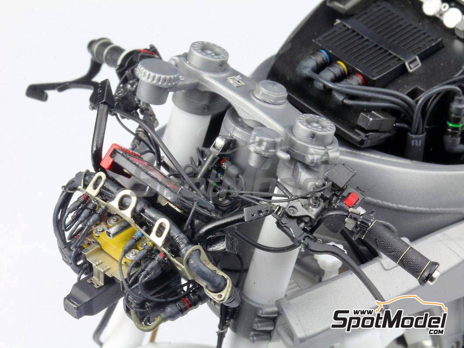 Image 33: Honda RC213V -  2014 | Detail up set in 1/12 scale manufactured by Top Studio (ref. MD29016)