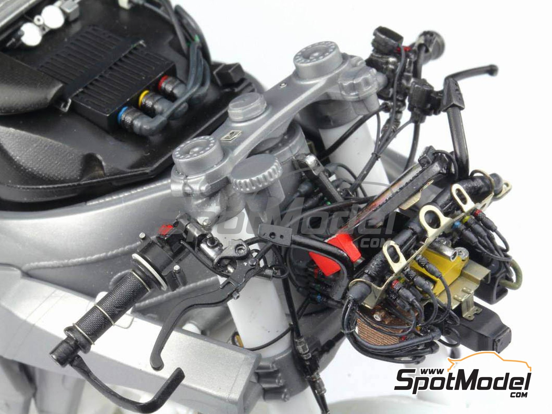 Image 34: Honda RC213V -  2014 | Detail up set in 1/12 scale manufactured by Top Studio (ref. MD29016)