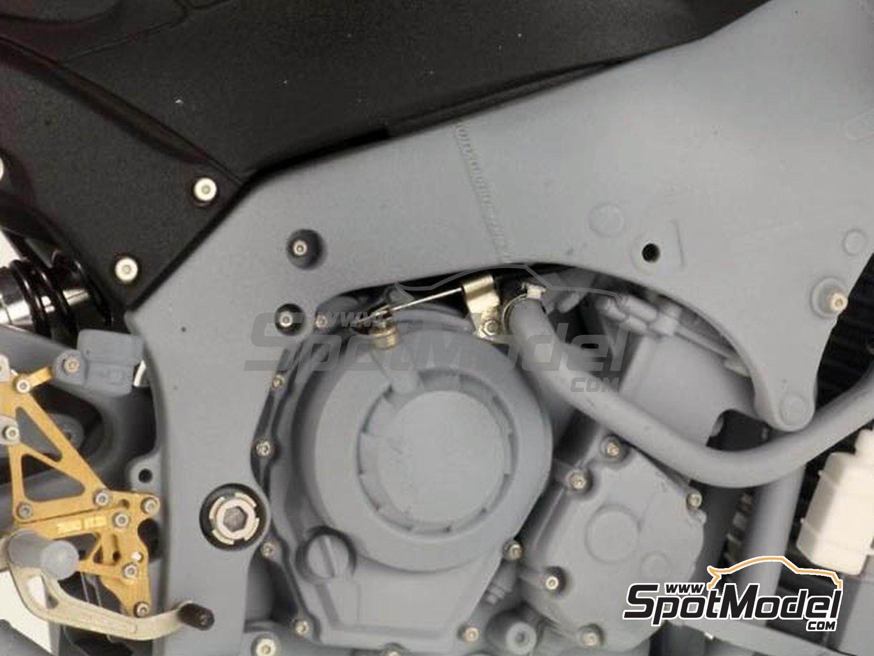 Image 3: Kawasaki ZX-10R -  2011 | Set de mejora y detallado en escala1/12 fabricado por Top Studio (ref.TD23099)