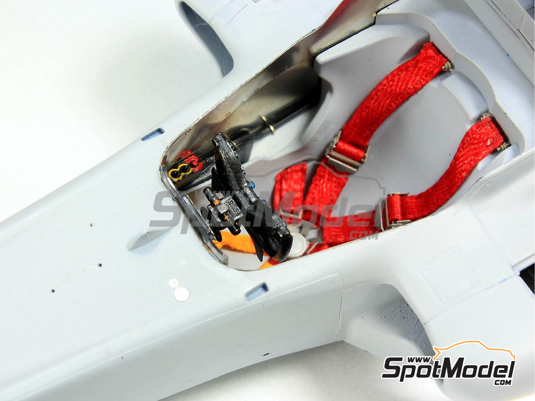Image 2: RB Racing Renault RB6 - Cockpit | Detail in 1/20 scale manufactured by Top Studio (ref.TD23129)