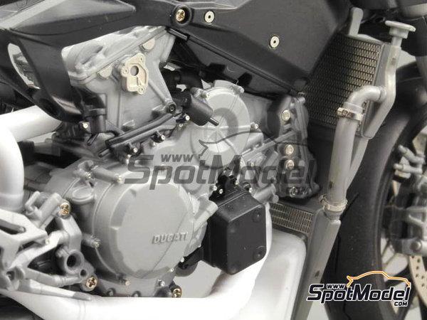 Image 9: Ducati 1199 Panigale S | Set de mejora y detallado en escala1/12 fabricado por Top Studio (ref.TD23141)