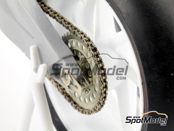 Image 2: Honda NSR500 - Motorcycle World Championship 1989 | Chain set in 1/12 scale manufactured by Top Studio (ref.TD23143)